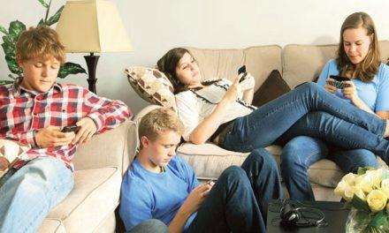 I giovani e la dipendenza: l'influenza di Internet