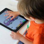 Bambini e tecnologia: no al blackout della fantasia